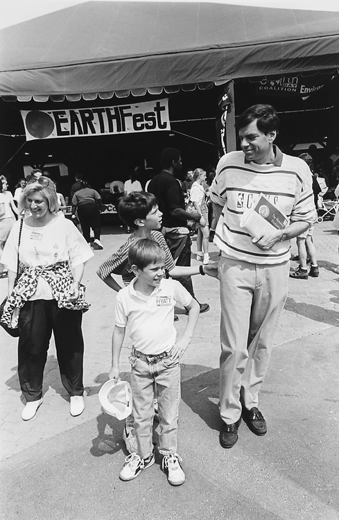 Democratic Senate Candidate Joel Hyatt and family, his wife Susan, and sons Zachary (age 7) and Jared (age 10) at Cleveland Zoo in April 1994. (Photo by CQ Roll Call via Getty Images)
