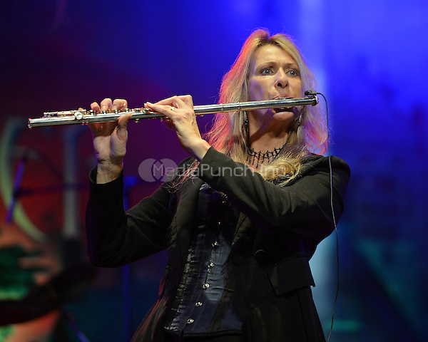 FORT LAUDERDALE, FL - NOVEMBER 19: Sharon Kelly of Wizards Of Winter performs at The Parker Playhouse on November 19, 2015 in Fort Lauderdale Florida. Credit: mpi04/MediaPunch