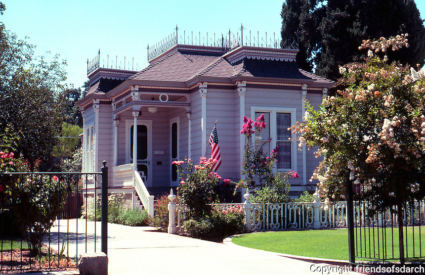 Visalia CA: House at 609 N. Encina.