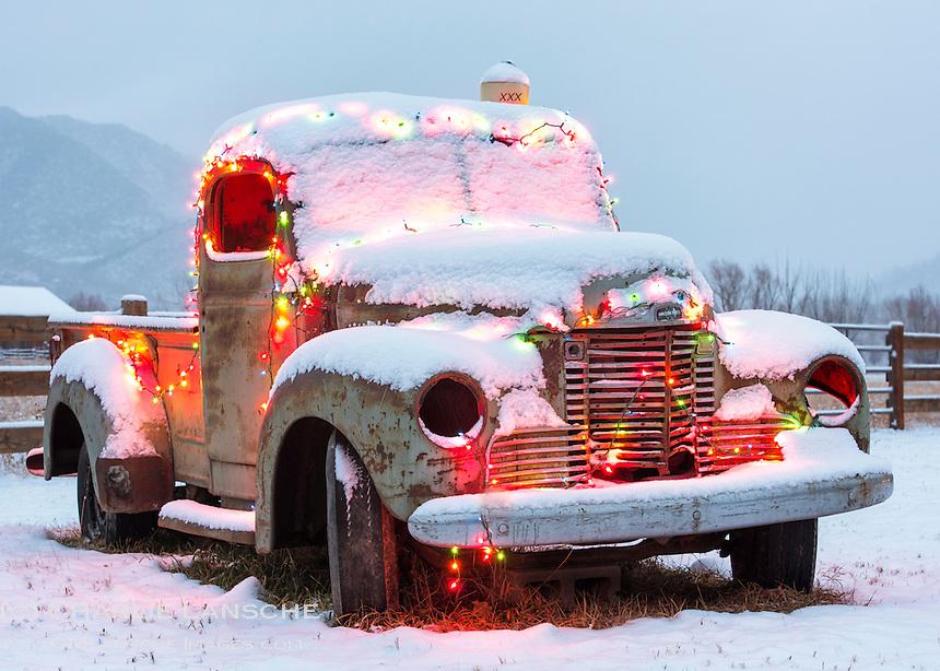 Season's Greetings, Holiday Rusty
