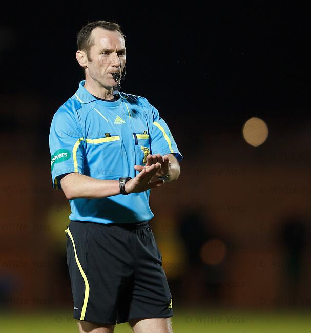 Referee Stevie O'Reilly