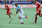 The Hague, Netherlands, June 15: Agustin Mazzilli #26 of Argentina runs with the ball during the field hockey bronze match (Men) between Argentina and England on June 15, 2014 during the World Cup 2014 at Kyocera Stadium in The Hague, Netherlands. Final score 2-0 (0-0)  (Photo by Dirk Markgraf / www.265-images.com) *** Local caption *** Agustin Mazzilli #26 of Argentina, Dan Shingles #20 of England
