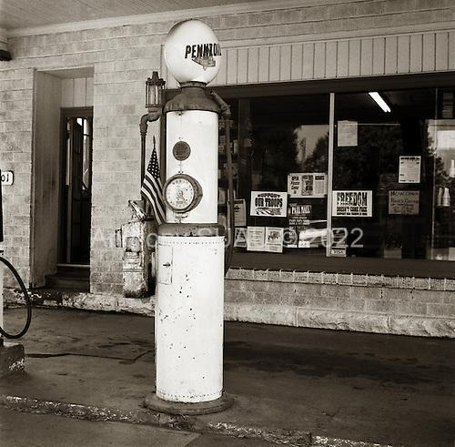 Garrett, Pennsylvania.July 9, 2003..Gas station.