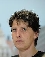 European Championships Fencing 2010 / Fecht Europameisterschaft 2010 in Leipzig - Competition Championat d'europe - im Bild:die neue Europameisterin Imke Duplitzer (GER). Porträt Portrait  . Foto: Norman Rembarz..Norman Rembarz , Autorennummer 41043728 , Augustenstr. 2, 04317 Leipzig, Tel.: 01794887569, Hypovereinsbank: BLZ: 86020086, KN: 357889472, St.Nr.: 231/261/06432 - Jegliche kommerzielle Nutzung ist honorar- und mehrwertsteuerpflichtig! Persönlichkeitsrechte sind zu wahren. Es wird keine Haftung übernommen bei Verletzung von Rechten Dritter. Autoren-Nennung gem. §13 UrhGes. wird verlangt. Weitergabe an Dritte nur nach  vorheriger Absprache..