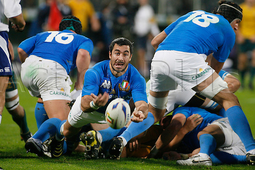 Nov 20th 2010 Florence,International Rugby Union. Italy v Australia,14-32. Picture show Pablo Canavosio plays the ball out of the ruck