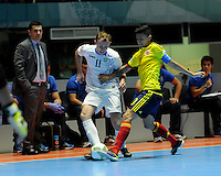 CALI -COLOMBIA-13-09-2016: Angellott Caro (Der) jugador de Colombia disputa el balón con Artur Yunusov (Izq) jugador de Uzbekistán durante partido del grupo A de la Copa Mundial de Futsal de la FIFA Colombia 2016 jugado en el Coliseo del Pueblo en Cali, Colombia. /  Angellott Caro (R) player of Colombia fights the ball with Artur Yunusov (L) player of Uzbekistan during match of the group A of the FIFA Futsal World Cup Colombia 2016 played at Metropolitan Coliseo del Pueblo in Cali, Colombia. Photo: VizzorImage/ NR / Cont