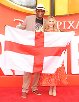 Samuel L. Jackson and Holly Hunter with the England flag at the &quot;Incredibles 2&quot; UK film premiere, BFI Southbank, Belvedere Road, London, England, UK, on Sunday 08 July 2018.<br /> CAP/CAN<br /> &copy;CAN/Capital Pictures