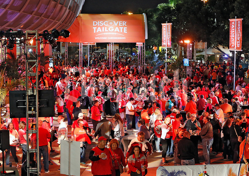 Ohio State fans pack the Discover Tailgate before the start of the Discover Orange Bowl at Sun Life Stadium in Miami Gardens, Florida on January 3, 2014.(Dispatch photo by Kyle Robertson)