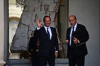 Francois Hollande (President) - Jean Yves Le Drian (Ministre de la Defense) .Parigi 22/8/2012.Consiglio dei Ministri.Foto Insidefoto / Christian Liewig / FEP / Panoramic.ITALY ONLY