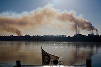 Pirapora _ MG, Brasil...Industria metalurgica proxima ao Rio Sao Francisco...The steel industry next to the Sao Francisco river...Foto: LEO DRUMOND / NITRO