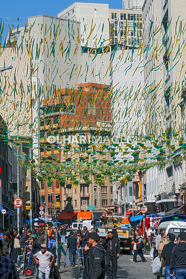 Decoraçao da copa. Comercio na rua 25 de Março, Sao Paulo. 2018. Foto de Juca Martins.
