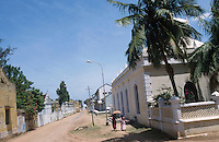 INDIA Tranquebar, in 18th century a former danish trading post in Tamil Nadu, at the right Zion church / INDIEN Tranquebar, war eine ehemalige daenische Handelsniederlassung im 18. Jh., daenische Altstadt zwischen Stadttor und Fort, rechts Zion Kirche