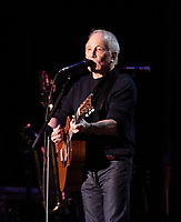 SAN FRANCISCO, CALIFORNIA - AUGUST 11: Paul Simon performs onstage during the 2019 Outside Lands Music And Arts Festival at Golden Gate Park on August 11, 2019 in San Francisco, California. <br /> CAP/MPI/FCU<br /> ©FCU/MPI/Capital Pictures