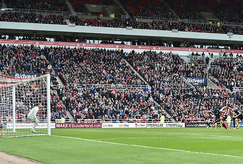 02.05.2015.  Sunderland, England. Barclays Premier League. Sunderland versus Southampton. Jordi Gomez of Sunderland scores from the penalty spot