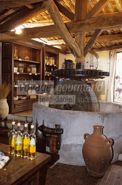 """Europe/France/Corse/2A/Corse-du-Sud/Porto-Vecchio: Magasin d'huile d'olive """"Terra Rossa"""" et son moulin [Non destiné à un usage publicitaire - Not intended for an advertising use]"""