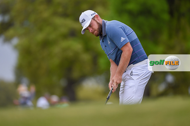 Tyrrell Hatton (ENG) barely misses his birdie putt on 1 during day 3 of the WGC Dell Match Play, at the Austin Country Club, Austin, Texas, USA. 3/29/2019.<br /> Picture: Golffile | Ken Murray<br /> <br /> <br /> All photo usage must carry mandatory copyright credit (© Golffile | Ken Murray)