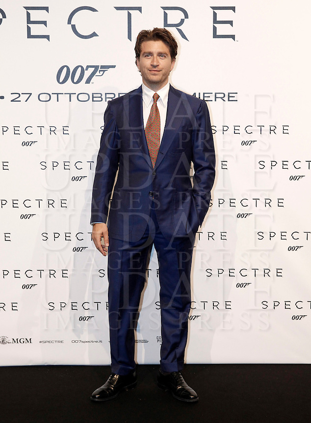 L'attore Alessandro Roja posa sul red carpet per la premiere del film 'Spectre' a Roma, 27 ottobre 2015 .<br /> Italian actor Alessandro Roja poses on the red carpet for the premiere of the movie 'Spectre' premiere in Rome, 27 October 2015 .<br /> UPDATE IMAGES PRESS/Isabella Bonotto