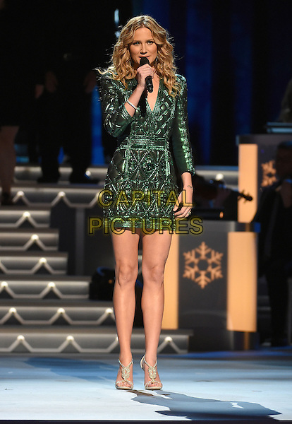 07 November 2015 - Nashville, Tennessee - Jennifer Nettles. 2015 CMA Country Christmas held at the Grand Ole Opry House.  <br /> CAP/ADM/LF<br /> &copy;Laura Farr/AdMedia/Capital Pictures