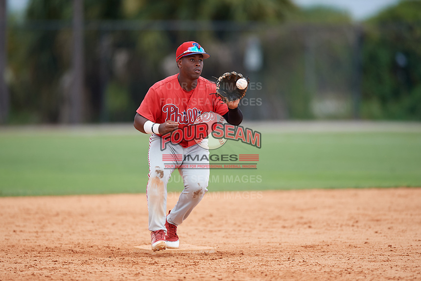 Philadelphia Phillies second baseman Wilfredo Flores (2) during an Instructional League game against the Detroit Tigers on September 19, 2019 at Tigertown in Lakeland, Florida.  (Mike Janes/Four Seam Images)