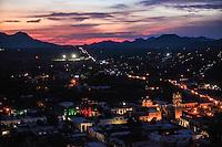 Vista panoraminca del pueblo de Alanos al atardecer