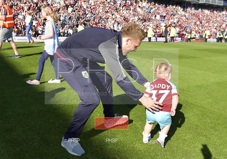13/05/2018 Premier League Burnley v AFC Bournemouth<br /> <br /> Scott Arfield and daughter
