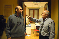 Roma Febbraio 2005.Redazione del quotidiano Il Manifesto, sequestro di Giuliana Sgrena.Il compagno di giulian Sgrena Pierluigi Scolari e il direttore Gabriele Polo.Rome, February 2005.Editor of the newspaper Il Manifesto, Giuliana Sgrena kidnapping.