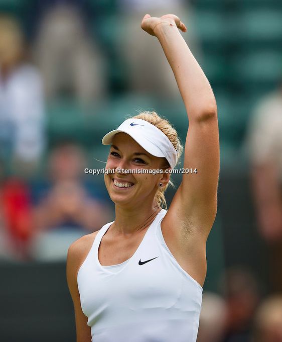 England, London, 28.06.2014. Tennis, Wimbledon, AELTC, Sabine Lisicki (GER) waves to the crowd<br /> Photo: Tennisimages/Henk Koster