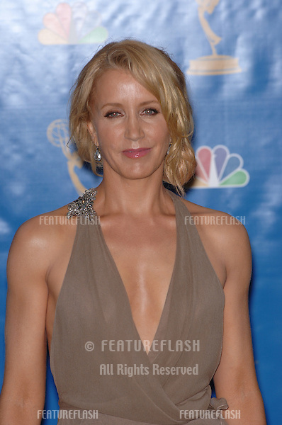 """Desperate Housewives"" star FELICITY HUFFMAN at the 2006 Primetime Emmy Awards at the Shrine Auditorium, Los Angeles..8 27, 2006 Los Angeles, CA.© 2006 Paul Smith / Featureflash"