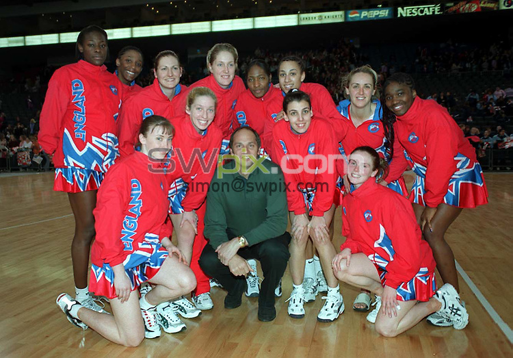 Pix: Ben Duffy/SWpix.com. International Netball. England v New Zealand. Test Series 2003. London Arena, Docklands London. 28/02/03..COPYRIGHT PICTURE>>SIMONWILKINSON>>01943 436649>>..England's netball team with Sir Steve Redgrave.
