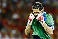 KIEV, UCRANIA, 01 JULHO 2012 - EU2012 FINAL - ESPANHA X ITALIA - Buffon goleiro da Italia durante partida contra a Espanha na decisão da Euro 2012 entre Espanha e Itália, em Kiev, Ucrânia, neste domingo (01).  (FOTO: PIXATHLON / BRAZIL PHOTO PRESS).<br /> ITA AND FRA OUT !