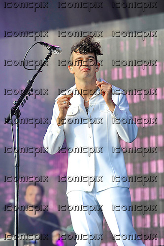 THE 1975 - vocalist Matthew Healy - performing live on the Other Stage on Day Two of the 2016 Glastonbury Festival at Worthy Farm Pilton Somerset UK - 25 Jun 2016. Photo credit: Zaine Lewis/IconicPix