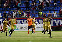 SANTA MARTA - COLOMBIA, 06-10-2019: Jugadores de Union celebran después de anotar el primer gol de su equipo durante el partido por la fecha 15 de la Liga Águila II 2019 entre Unión Magdalena y Rionegro Águilas jugado en el estadio Sierra Nevada de la ciudad de Santa Marta. / Players of Union celebrate after scoring the first goal of their team during match for the date 15 as part Aguila League II 2019 between Union Magdalena and Rionegro Aguilas played at Sierra Nevada stadium in Santa Marta city. Photo: VizzorImage / Gustavo Pacheco / Cont