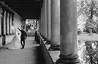 Potsdam, parco di Sanssouci. Un matrimonio alla Chiesa della Pace --- Potsdam, Sanssouci Park. A wedding at the Church of Peace
