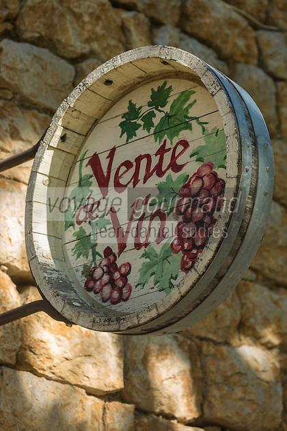 France, Aude (11), Lagrasse, labellisé Les Plus Beaux Villages de France, Enseigne vigneron  //   France, Aude, Lagrasse, labelled Les Plus Beaux Villages de France (The Most Beautiful Villages of France),