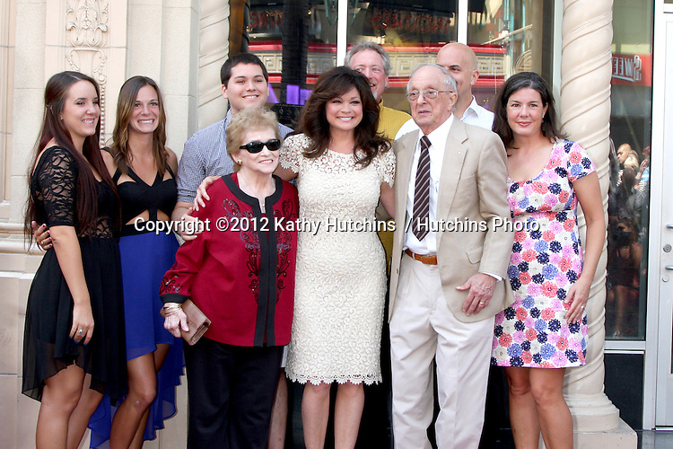 LOS ANGELES - AUG 22:  Valerie Bertinelli, family at the ceremony for Valerie Bertinelli Hollywood Walk of Fame Star at Hollywood Blvd. on August 22, 2012 in Los Angeles, CA