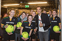 Rotterdam, The Netherlands, 18 Februari, 2018, ABNAMRO World Tennis Tournament, Ahoy, Roger Federer signing autographs<br /> <br /> Photo: www.tennisimages.com