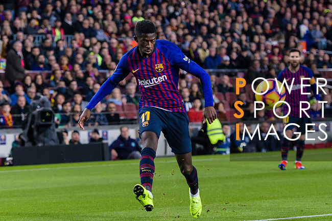 Ousmane Dembele of FC Barcelona looks to bring the ball down during the La Liga 2018-19 match between FC Barcelona and Villarreal at Camp Nou on 02 December 2018 in Barcelona, Spain. Photo by Vicens Gimenez / Power Sport Images