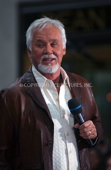 WWW.ACEPIXS.COM . . . . . ....May 13, 2006, New York City....Singer Kenny Rogers performs at the Today Show in New..York City.....Please byline: KRISTIN CALLAHAN - ACEPIXS.COM.. . . . . . ..Ace Pictures, Inc:  ..(212) 243-8787 or (646) 679 0430..e-mail: picturedesk@acepixs.com..web: http://www.acepixs.com