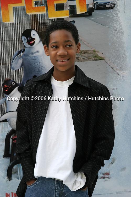 "Tyler James Williams.""Happy Feet"" Premiere.Grauman's Chinese Theater.Hollywood, CA.November 12, 2006.©2006 Kathy Hutchins / Hutchins Photo...."
