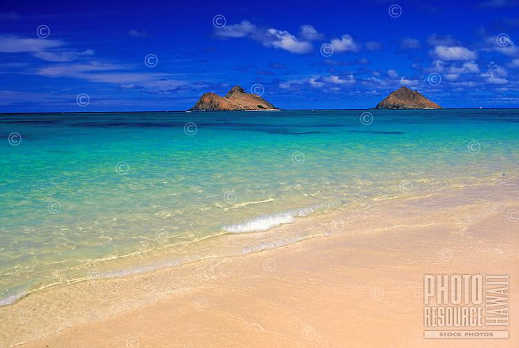 The beautiful Moku Lua islands located on the windward side of Oahu near Lanikai Beach and Kailua Beach.