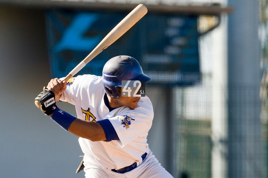 11 Oct 2008: Ernesto Martinez is seen at bat during game 1 of the french championship finals between Templiers (Senart) and Huskies (Rouen) in Chartres, France. The Templiers win 5-2 over the Huskies