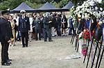 Foto: VidiPhoto<br /> <br /> ARNHEM - Op het terrein van het Koninklijk Tehuis voor Oud-Militairen en Museum Bronbeek in Arnhem is woensdag de opheffing van het Koninklijk Nederlandsch-Indisch Leger herdacht. Het KNIL was het koloniale leger van Nederland. Het was actief van 1830 tot 1950. Tot nu toe werd het einde van het KNIL op 26 juli herdacht, de datum waarop het leger in 1950 officieel werd opgeheven. Dit jaar is besloten de herdenking te combineren met de jaarlijkse re&uuml;nie van het Regiment van Heutsz, de eenheid die tradities van het KNIL voortzet. De bijeenkomst had plaats bij het KNIL-monument, een beeld van een Molukse en Nederlandse soldaat in gevechtstenue van omstreeks 1940. In de middag was de jaarlijkse re&uuml;nie, een initiatief van de Stichting Moluks Historisch Museum. In het KNIL dienden destijds veel militairen uit de Molukken. Een van de eregasten was de drager van de militaire Willemsorde, Marco Kroon.