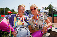Netherlands, Amstelveen, August 23, 2015, Tennis,  National Veteran Championships, NVK, TV de Kegel,  awards ceremony lady's 65+ :  Winner Heleen Janssen-Prins (R) and runner up Ria van der Meijden<br /> Photo: Tennisimages/Henk Koster