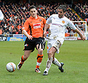 :: MOTHERWELL'S KEITH LASLEY  CLEARS FROM DUNDEE UTD'S CRAIG CONWAY ::