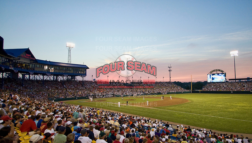 2010 College World Series. Johnny Rosenblatt Stadium in Omaha, Nebraska.  (Photo by Andrew Woolley / Four Seam Images)