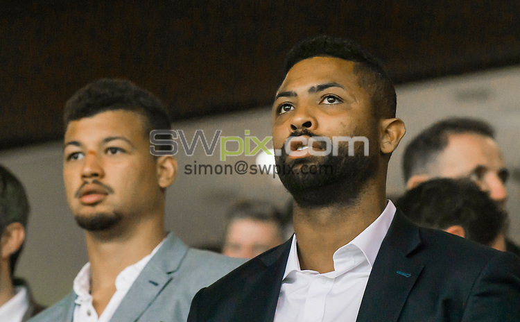 Picture by Allan McKenzie/SWpix.com - 10/10/2015 - Rugby League - First Utility Super League Grand Final - Leeds Rhinos v Wigan Warriors - Old Trafford, Manchester, England - Guy & Delon Armitage at the 2015 First Utility Super League Grand Final.