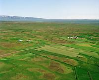 Bergsstaðir, Efri-Torfustaðir og Neðri-Torfustaðir séð til suðausturs. Húnaþing vestra áður Ytri-Torfustaðahreppur / Bergsstadir, Efri-Torfustadir and Nedri-Torfustadir. Hunathing vestra former Ytri-Torfustadahreppur.