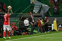 LISBOA, PORTUGAL, 22.04.2017 - SPORTING x BENFICA - Rui Vitoria durante a partida de futebol a contar para 30ª rodada da Primeira Liga Portuguesa de Futebol entre Sporting e Benfica, no Estádio Alvalade XXI, em Lisboa, Portugal, nesse sábado 22.  (Foto: Bruno de Carvalho / Brazil Photo Press)