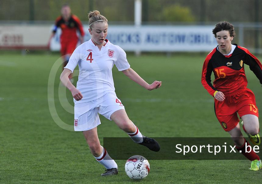 UEFA Women's Under 17 Championship - Second Qualifying round - group 1 : Belgium - England : .Leah Cathrine Williamson aan de bal voor de aanstormende Johanna Koenig.foto DAVID CATRY / Vrouwenteam.be