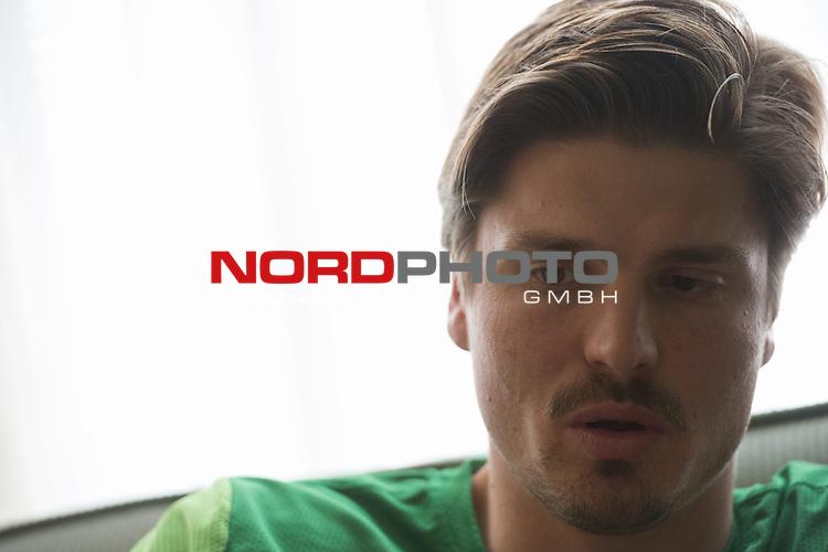 Trainingsgel&auml;nde, Jerez, ESP, 1.FBL, Trainingslager Werder Bremen 2014,  Sebastian Pr&ouml;dl {iptcday0}.{iptcmonth0}.{iptcyear4}, <br /> <br /> Sebastian Pr&ouml;dl / Proedl (Bremen #15)<br /> <br /> Portrait<br /> Halbk&ouml;rper / Halbkoerper, Einzelaktion, <br /> <br /> Foto &copy; nordphoto/ Kokenge